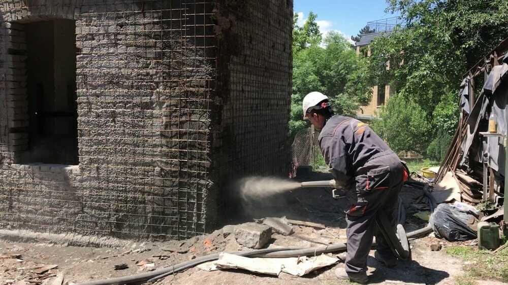 Укрепление ЖБ конструкций. Торкретирование бетона в Москве